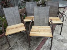 Upcycled pallet wood for tattered seats