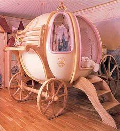 Encantadora cama de cuento de hadas, para una niña