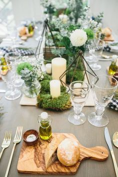 Individual Wooden cutting board at each tablesetting