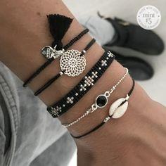 * Mini Shell Bracelet - Black: € Swarovski Black Sparkle: € Beads-armbandje 'Little Flowers': € Boho Ornament - Black: € Tassel Bracelet - Black: € Totaal: € = € Handmade Jewelry Bracelets, Woven Bracelets, Bijoux Diy, Diy Jewelry, Jewelry Accessories, Fashion Jewelry, Black Jewelry, Simple Jewelry, Bohemian Jewelry
