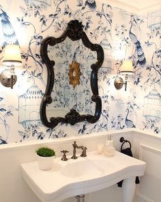 This powder room is eternally gorgeous yet another room @melindahartwrightinteriors has transformed into a warm elegant space  Rebecca #divine #blueandwhiteforever #powderroom #melindahartwrightinteriors