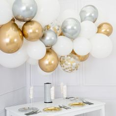 is New Zealand Party Decoration and Party Balloons Shop and apply DIY Balloon Garlands -- Chrome Gold/Chrome Silver, Balloons and Parties products in New Zealand wide. Over 2000 balloons and parties products in Fast overnight Delivery. Silver Party Decorations, Prom Decor, Balloon Decorations, Balloon Ideas, Christmas Balloons, Christmas Party Themes, Gold Christmas, Balloon Clouds, Balloon Garland