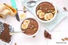 Geen smoothie in een glas maar een smoothie bowl! Een havermout smoothie bowl mét chocola, dat is wat mij betreft een top ontbijt!