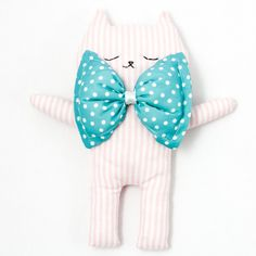 Kim the cat cuddle soft toy pink stripes #youttle #sundayincolor #stripes #pink #babyshower #baby #cat #cuddle #doudou http://www.sundayincolor.com/collections/shop-by-brand/products/kim-the-cat-cuddle-soft-toy