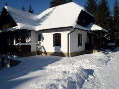 Vrei o casă tradițională ca a lui Doru Munteanu? Uite că-ți dă lista lui cu meșteri | Adela Pârvu - Interior design blogger Traditional House, Home Fashion, Romania, House Plans, House Styles, Outdoor Decor, Home Decor, Design, Houses