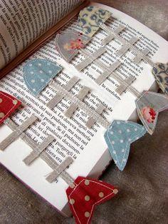 Fish Bone Bookmark - Shabby Home: Gioia per gli occhi - A delight for the eye Felt Crafts, Fabric Crafts, Sewing Crafts, Paper Crafts, Craft Projects, Sewing Projects, Sewing Tips, Diy Bookmarks, Shabby Home