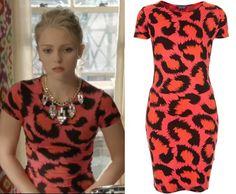 The Carrie Diaries season 2: Carrie Bradshaw's (AnnaSophia Robb) Topshop Cutout Back Leopard Print Dress in Orange/Pink #getthelook #tcd #thecarriediaries