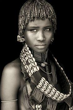 Africa | Portrait of a Hamer woman. Omo Valley. Ethiopia | © Mario Gerth