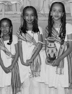 Young Somali girls wearing traditional dress