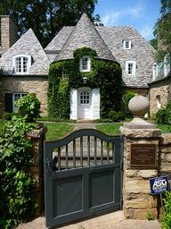 I love this Chateau styled home. I've always had a weakness for this style of homes.