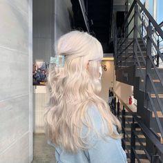 Medium Hair Styles, Curly Hair Styles, Types Of Hair Color, Korean Hair Color, Magic Hair, Hair Dye Colors, Dye My Hair, Aesthetic Hair, Shiny Hair
