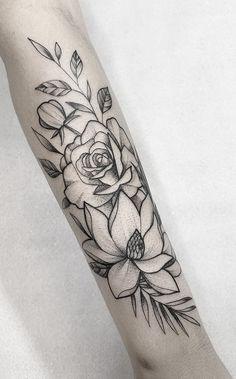 200 Fotos de tatuagens femininas no braço para se inspirar - Fotos e Tatuagens Tattoo Finder, Arm Tattoos For Women, Flower Tattoos, Tattoo Inspiration, Tatoos, Body Art, My Photos, Instagram, Chicano Art