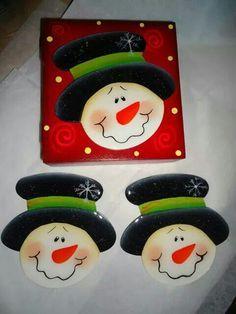 Resultado de imagen para individuales navideños en madera Christmas Wood, Christmas Images, Christmas Signs, Christmas Time, Christmas Crafts, Christmas Decorations, Cd Crafts, Canvas Crafts, Crafts To Make