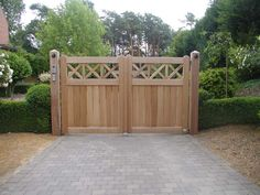 Poorten - Houten Poorten Limburg | Bongaerts Wood Fence Design, Privacy Fence Designs, Gate Design, Garden Hedges, Garden Privacy, Garden Gates And Fencing, Garden Doors, Driveway Gate, Fence Gate