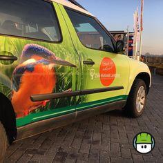 Hadden we al gezegd dat bij het #wagenpark van Zuid Hollands-landschap de #hooglanders afgewisseld worden met #ijsvogels? Ook mooi hoor!  #autobelettering #fullwrap @skodanl #Yeti @3mgraphics @averydennison #sibon #signmaker
