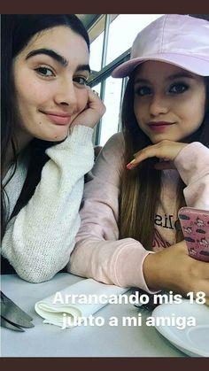 Karol com sua amiga Clara