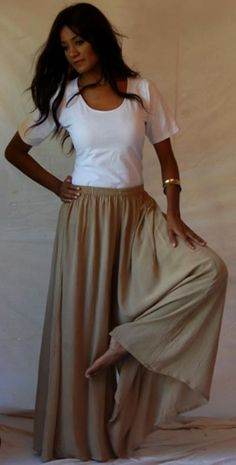palazzo pant/split skirt  This is so simple and classic and comfortable and subtle and I love the outfit.  K.W.