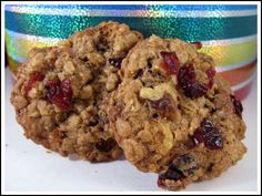 I guess I don't keep up with Starbucks news very well, because I had no idea the Outrageous Oatmeal Cookie recipe I linked to in The Washington Post was actually put out by Starbucks in an effort to promote their new approach to baked goods – sim