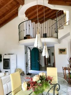 Villa for sale Italy Lombardy Brianza Verderio CASAESTYLE www.casaestyle.it #villa #luxuryrealestate #realestate #interios #beautiful #livingroom #casaestyle #design #home #house #architecture #realestate
