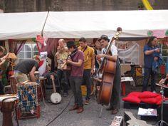 Ruhrgebietmitte hat KulturPOTTential - betreibt OSTWEST Kulturtransfer: Ruhr International 2014 Bilderreise Tag eins world beat club die Band