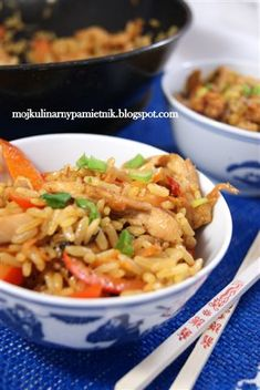 Bernika - mój kulinarny pamiętnik: Szybki chiński smażony ryż z kurczakiem