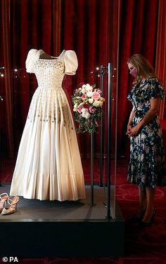 Royal Wedding Gowns, Royal Weddings, Wedding Dresses, Stunning Dresses, Pretty Dresses, Princess Beatrice Wedding, Princess Eugenie, Princess Diana, Eugenie Of York