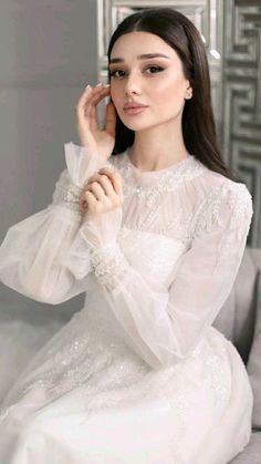 Fancy Wedding Dresses, Evening Dresses For Weddings, Elegant Wedding Dress, Wedding Gowns, Bridal Outfits, Bridal Dresses, Pretty Dresses, Beautiful Dresses, Muslimah Wedding Dress