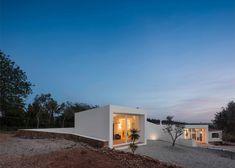 Marlene Uldschmidt extends an Algarve farmhouse