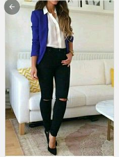Alternately, a jumpsuit or trendy pants and a top can create a great option. Choosing light colored clothes is going … Blazer Jeans, Blue Blazer Outfit, Ripped Jeans Outfit, Look Blazer, Black Ripped Jeans, Blazer Outfits, Denim Outfit, Jean Outfits, Cobalt Blazer