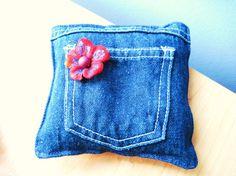 Denim Pocket Pincushion  Hand Crafted by LittleSmilesBoutique, $7.00