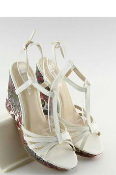 Sandals, Shoes, Fashion, Slide Sandals, Moda, Shoes Sandals, Zapatos, Shoes Outlet, Fashion Styles
