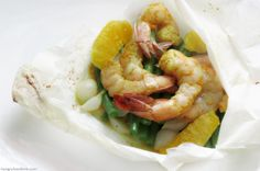 How to Cook en Papillote. Try this Curry-Orange Shrimp en Papillote recipe, it is healthy and sooo tasty!