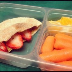 PB & Strawberry pita with baby carrots and orange segments. Only 315 calories!