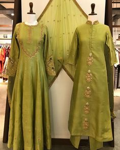 Add some olive to your closet ✨ shop these stunning garments at anantam south extension!Colors & Crafts Boutique™ offers unique apparel and jewelry to women who value versatility, style and comfort. We specialize in customized attires crafted in Pakistani Dress Design, Pakistani Dresses, Indian Dresses, Indian Outfits, Ethnic Outfits, Indian Clothes, Kurta Designs Women, Blouse Designs, Dress Designs