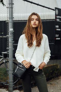 Model's look: lo stile delle modelle alla New York Fashion Week Street Style 2018, Street Style Edgy, Street Style Summer, Autumn Street Style, Street Style Women, Model Look, New York Fashion, Yorkie, Fashion Models