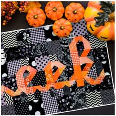 Boo Eek Mini quilt sewing pattern from Kelli Fannin Quilt Designs These cute Halloween mini quilts finish at x a perfect size to hang on the front door. Halloween Quilt Patterns, Halloween Fabric Crafts, Halloween Sewing Projects, Halloween Quilts, Diy Sewing Projects, Quilting Projects, Quilting Designs, Sewing Crafts, Quilting Ideas