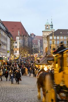 The enticing aroma of gingerbread, mulled wine and grilled sausage hangs in the air at the Nuremberg Christkindlesmarkt. © Uwe Niklas---------------------------------------------------- Terms of use: It is allowed to use the photo for touristic or economic depiction of the location Nuremberg or for press work. A commercial use is strictly prohibited. The photo is protected by copyright, the photographer has to be named when using the picture.