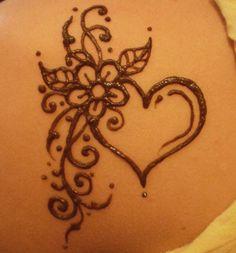 Henna by Cynthia McDonald. Preparation for festival season! Mehndi Tattoo, Henna Tattoos, Henna Mehndi, Pakistani Mehndi, Mehndi Dress, Mehendi, Mcdonalds Tattoo, Henna Heart, Hena Designs