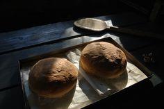 Piknikille mukaan itse leivottu leipä tai jos ei jaksa leipoa, on ihana herkku myös leipomosta haettu tuore leipä.