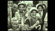 Uit de oude doos: film uit 1952 - Wachten op de optocht