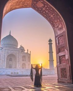 The Best Honeymoon Destinations In 2017 ❤ See more: www.weddingforwar… The Best Honeymoon Destinations In 2017 ❤ See more: Tourist Places, Places To Travel, Places To Visit, Travel Pose, Travel Photos, Photography Poses, Travel Photography, Taj Mahal, Popular Honeymoon Destinations