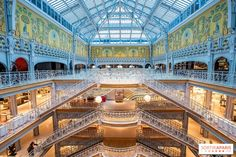 Ideally situated between the Louvre and Notre-Dame, the department store has risen to the rank of architectural monument with its harmonious mix of Art Nouveau and Art Deco. Art Nouveau, Art Deco, Restaurants, City Style, Department Store, Louvre, Mansions, Shopping, Architecture