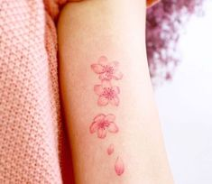 Beautiful Flower Tattoos, Pretty Tattoos, Cute Tattoos, Frangipani Tattoo, Orchid Tattoo, Butterfly Tattoos Images, Flower Wrist Tattoos, Mini Tattoos, Body Art Tattoos