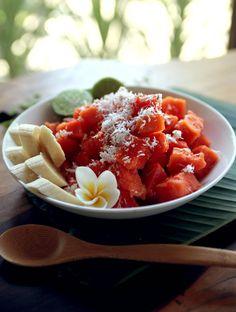 Bali Bliss Papaya Salad. Perfect morning treat! #eatpurely #breakfast