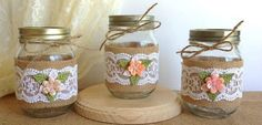 mason jars- wrapped in burlap Pot Mason Diy, Mason Jar Crafts, Bottle Crafts, Mason Jar Vases, Burlap Crafts, Diy And Crafts, Lace Jars, Jar Art, Decorated Jars