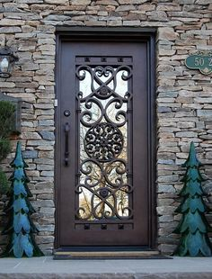 Universal Iron Doors create custom Bellagio Square Top Single Entry Iron Doors that bring culture and class to your doorstep. Front Door Entryway, Iron Front Door, Wood Entry Doors, Front Door Decor, Wrought Iron Security Doors, Wrought Iron Doors, Main Door Design, House Front Design, Modern Exterior Doors
