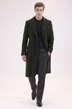 See the complete Ralph Lauren Fall 2016 Menswear collection.