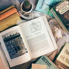 Bom dia :) .  Credits to @pyza.pruska .  #books #pastel #książki #tovejansson #mrjames #serianike #bookstagram #bookphotography #bookblogger #bibliophile #instagramczyta