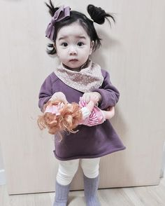 Cute Chinese Baby, Chinese Babies, Kids Fashion, Autumn Fashion, Most Beautiful People, Mavis, Sweet Girls, Baby Pictures, Cute Kids