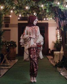Model Kebaya Muslim, Model Kebaya Brokat Modern, Kebaya Modern Hijab, Kebaya Hijab, Kebaya Lace, Kebaya Dress, Batik Kebaya, Batik Dress, Dress Brukat